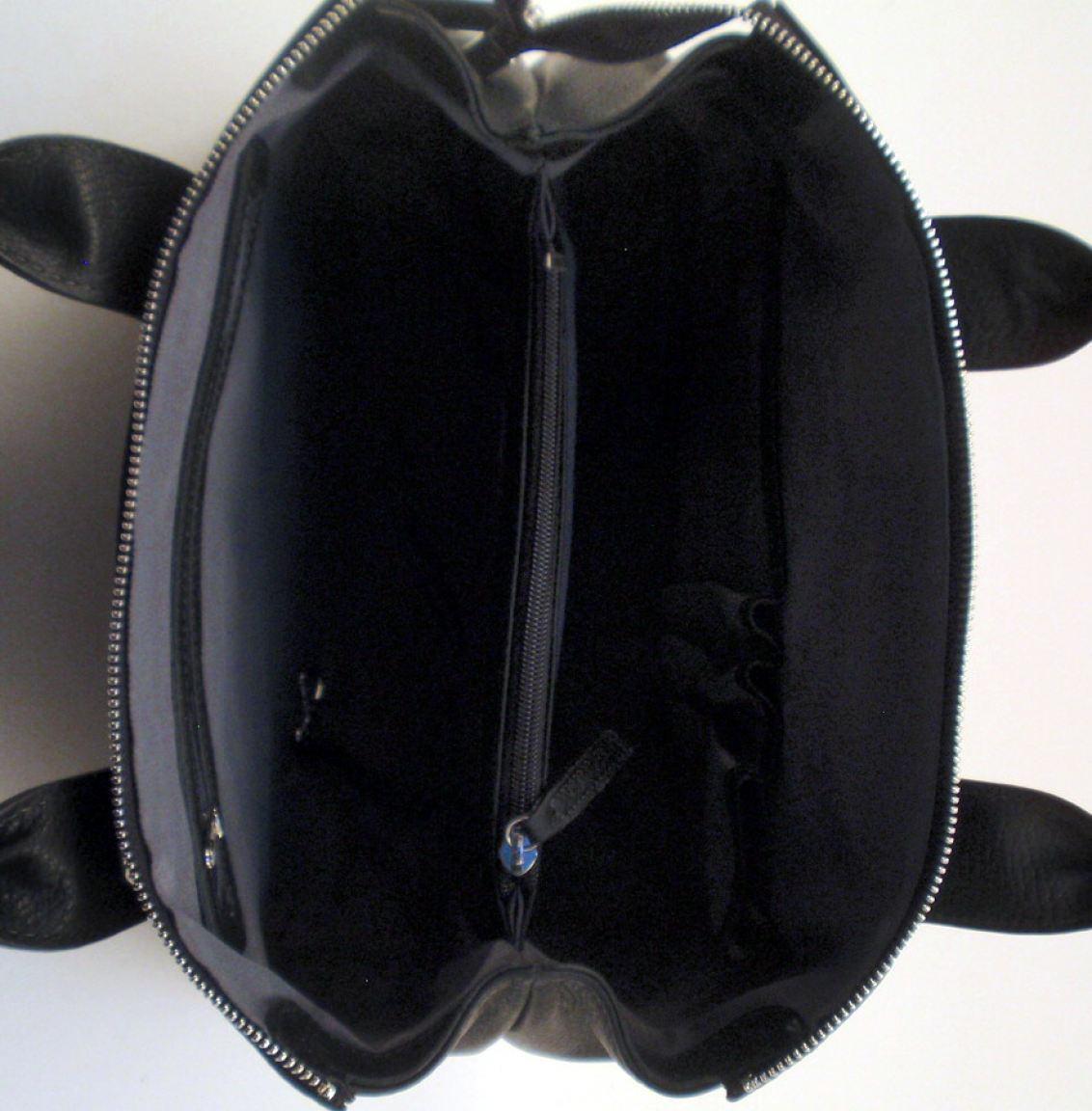 credi tasche in hochwertigem strukturiertem nappaleder. Black Bedroom Furniture Sets. Home Design Ideas