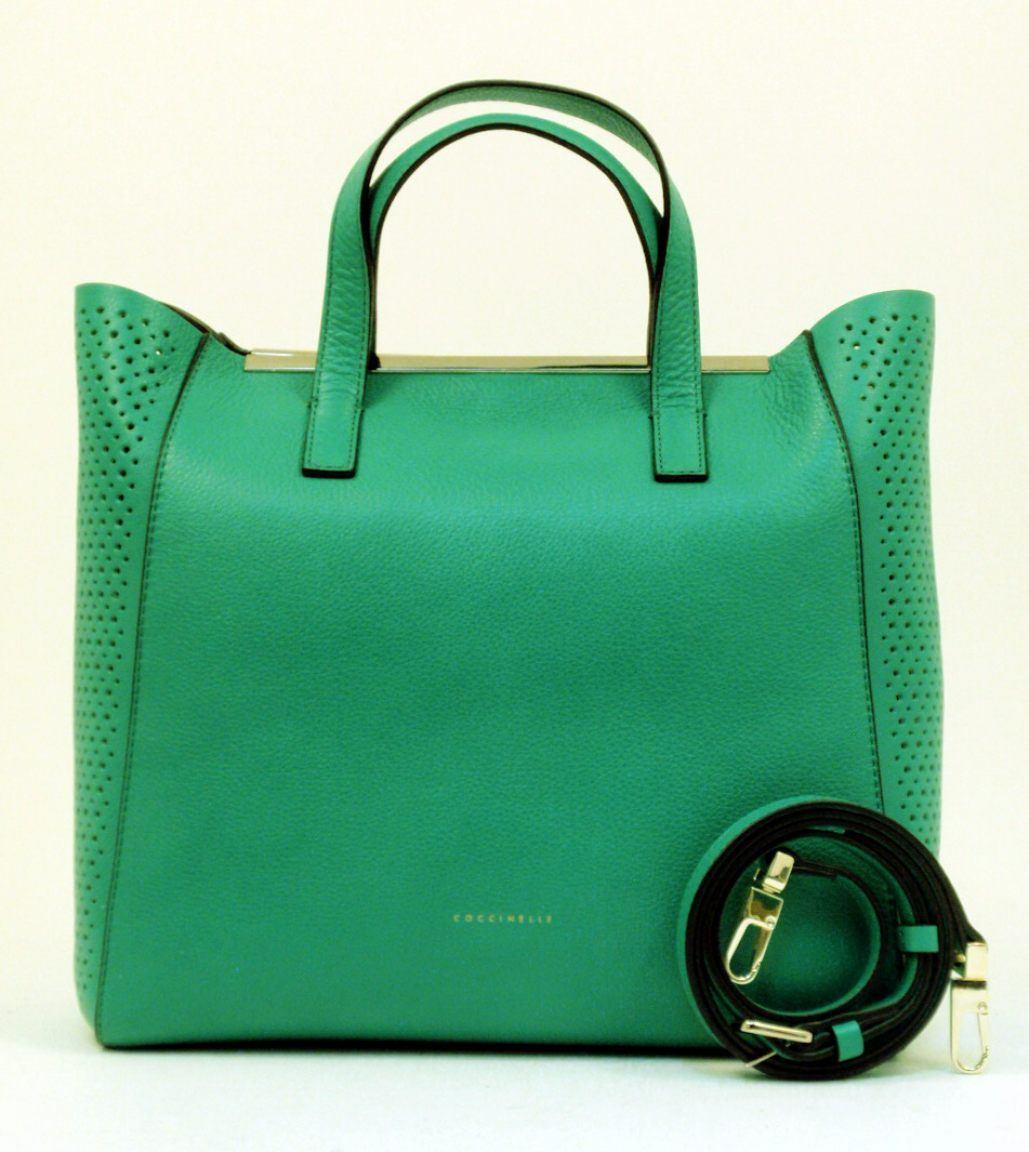 Coccinelle Tasche Amy gelocht Leder verde