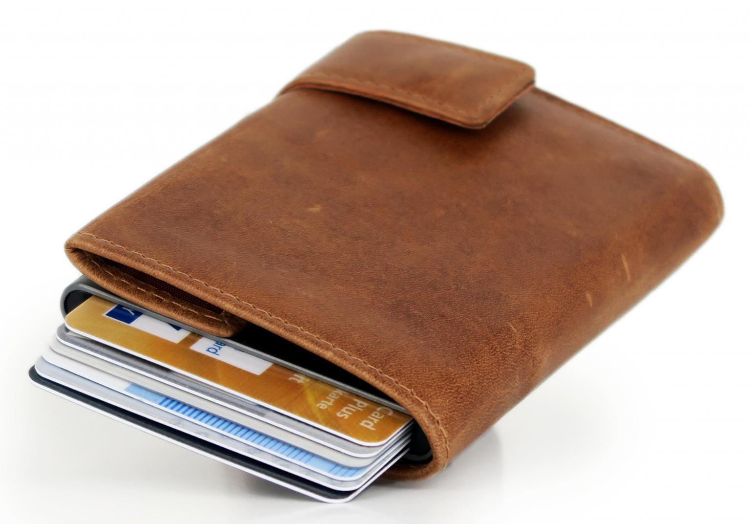 Kartenetui SecWal Dallas braun Münzfach mit Reißverschluss