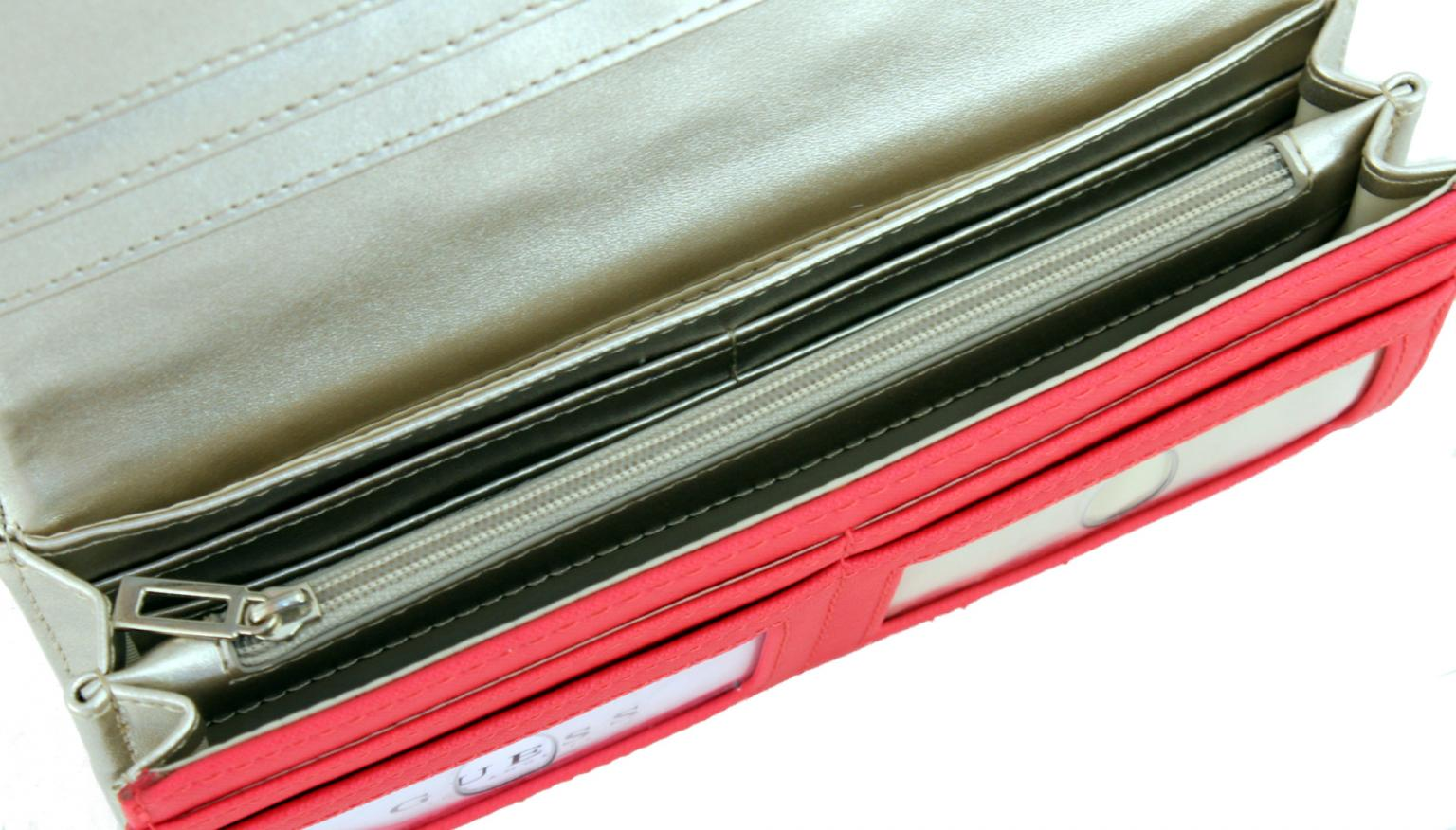 Steppgeldbörse Guess Victoria jeansblau Denim Überschlag